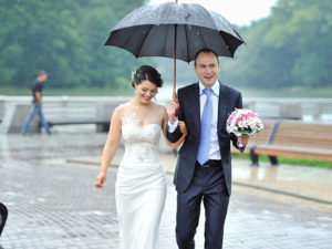 Outdoor Wedding Ceremonies – What to Do When It Rains